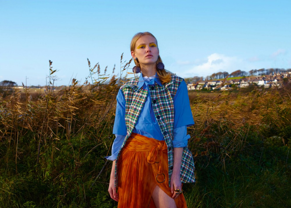 Iain-Mckell-Suburban-Girl-Flair-Germany_Page_13