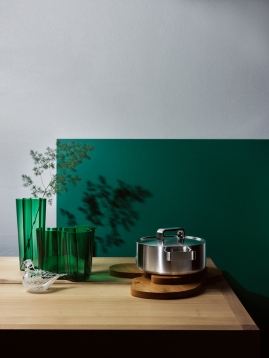 TUUKKA KOSKI shoots product stills for IITTALA